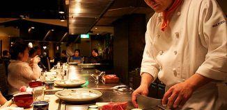 japanese man chopping sushi