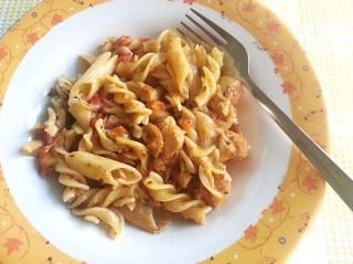 pasta arabiata with chicken and mushroom