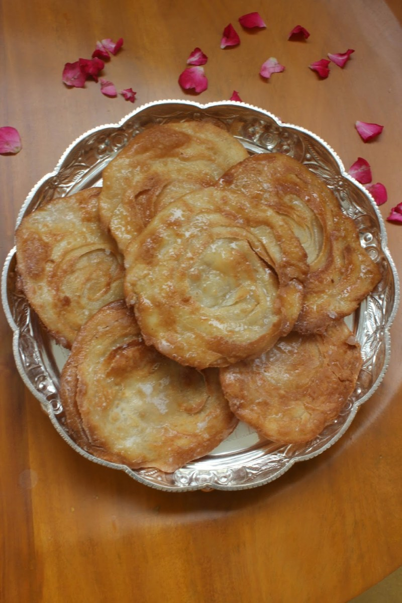 Pathir Peni | Layered fried Badam pooris