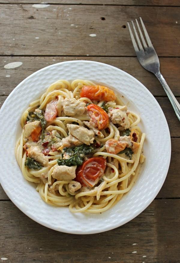 Pasta in creamy garlicky sauce