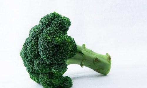 ブロッコリーの茎にできる黒い点の正体 食べても大丈夫なもの!?