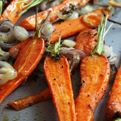 Roasted Carrots with Shallots & Thyme recipe