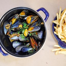 Mussels and Fries at Bell's Los Alamos