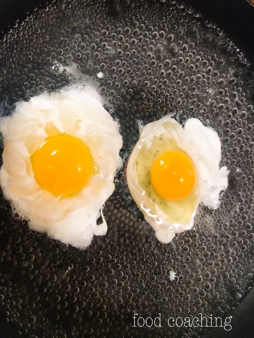 Ce-a fost mai intai, oul sau gaina???