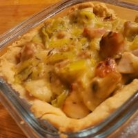 Chicken, leek, bacon pie filling