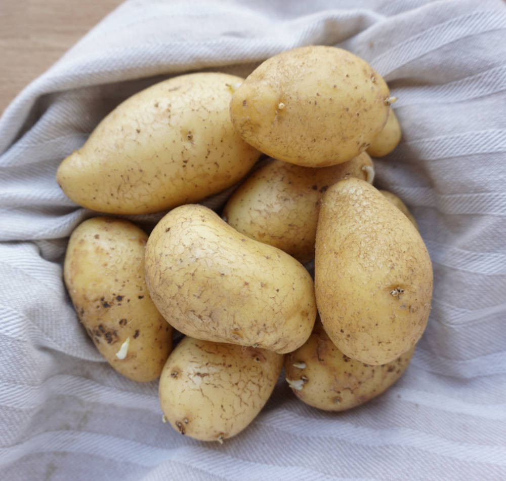 how to cook potato raw in microwave