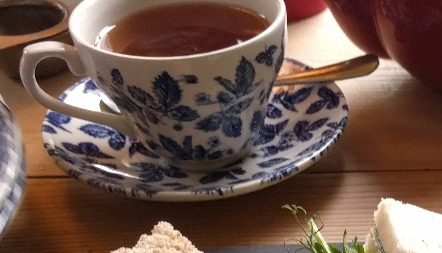 A typical British high tea – on the bitterness of tea