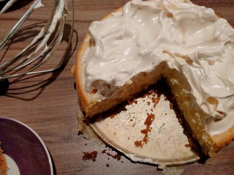 Italian meringue cheesecake
