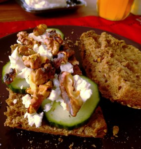 goats cheese with roasted walnuts sandwich