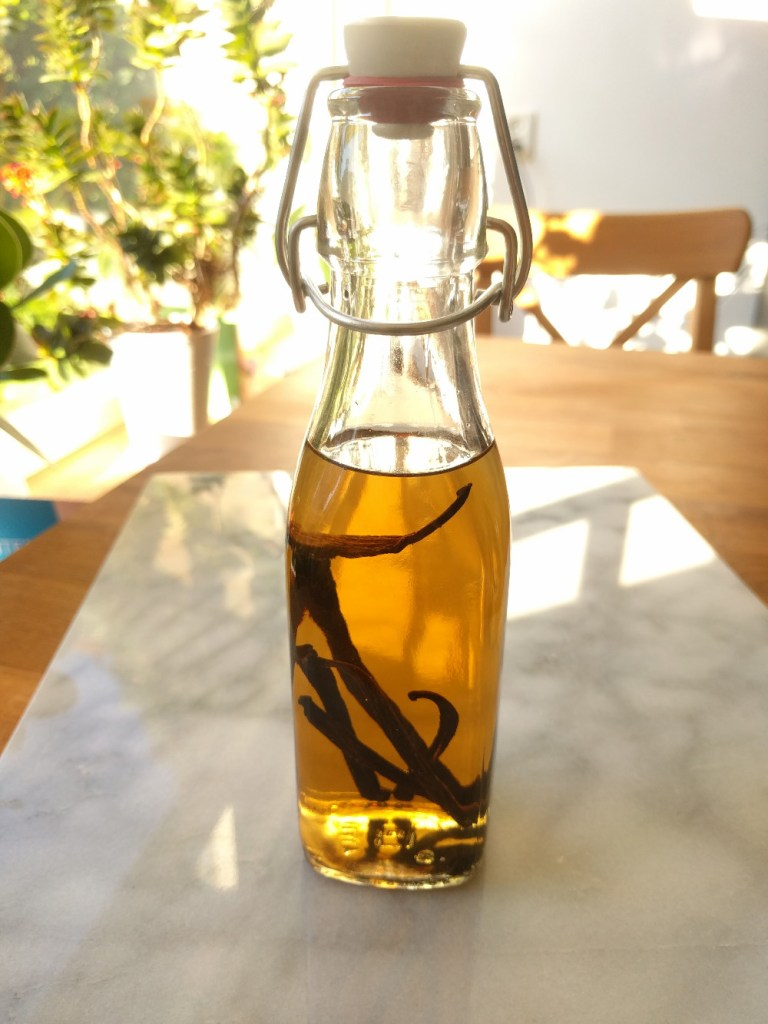 vanilla-extract-ready-for-ripening
