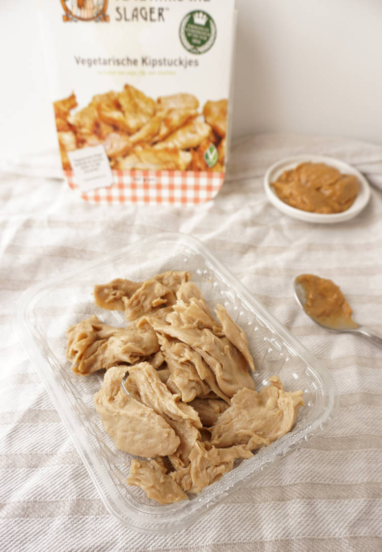 Vegetarian Chicken, uncooked from the Vegetarische Slager