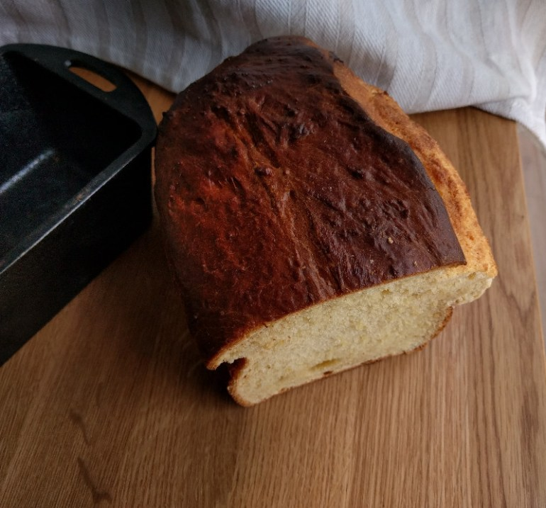 A brioche bread has that fluffy rich texture and taste. We discuss the science of brioche breads, what makes it so special? | foodcrumbles.com