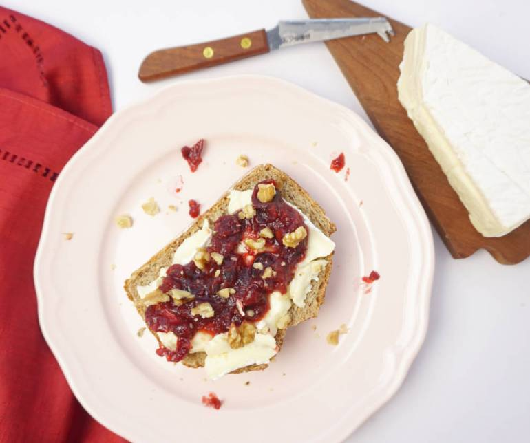 cranberry brie walnut sandwich