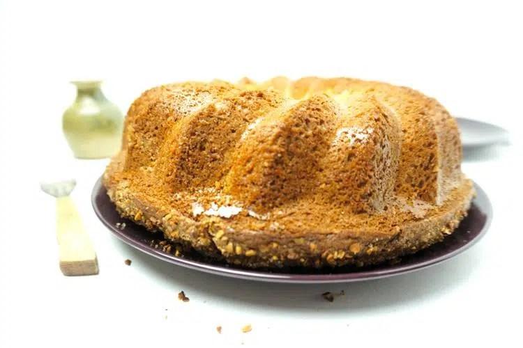 hazelnut crumble bundt cake