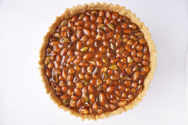 How To Make A Perfect Caramel Nut Tart Recipe Food Crumbles