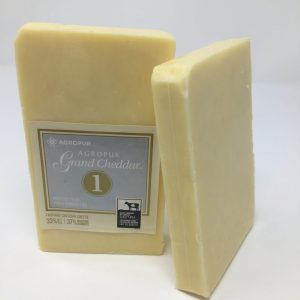 1 year old Grand Cheddar Unpasteurized milk