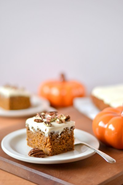 pumpkin-spice-cake-with-greek-yogurt-cream-cheese-frosting-2