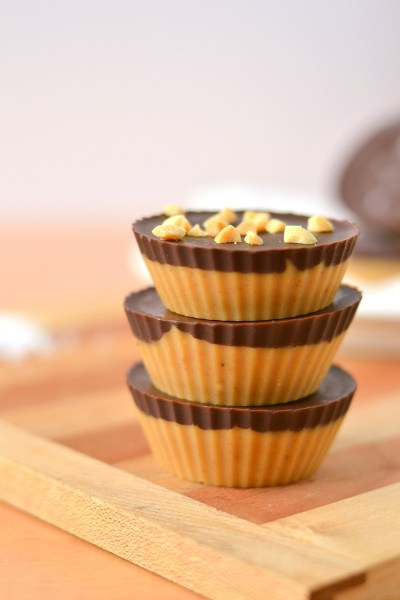 dark-chocolate-peanut-butter-freezer-fudge-cups-4
