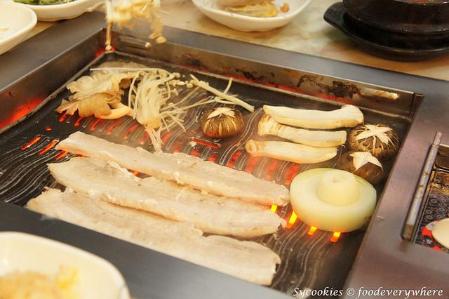 9.San Nae Deul Korean BBQ- grilled sliced pork with mushroom RM 30 (4)