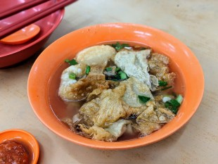 Mong Seng Kopitiam Melaka - authentic fish ball noodle