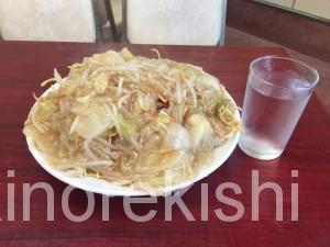 千代田区メガ盛り学生小川町ラーメンの龍岡野菜あんかけ焼きそば4
