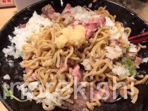 新宿歌舞伎町デカ盛りローストビーフ油そばビースト肉増しキング450g麺大盛り22