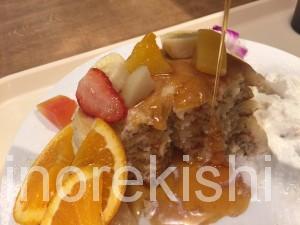 秋葉原ヨドバシAKIBAラーブフードマーケットハワイアンパンケーキメガ盛りフードコート21