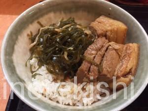 新宿沖縄そばやんばるラフティ丼セット大盛りソーキそば角煮10