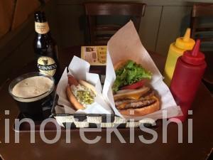 神田フレッシュネスバーガーハンバーガーチェーン店クラシックホットドッグギネスビール世界8