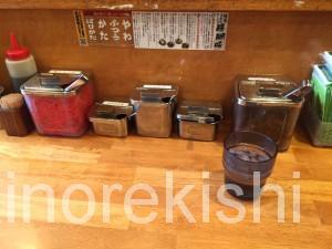 とんこつラーメン博多風龍神田西口店替え玉2玉無料紅しょうが辛子高菜にんにくばりかた