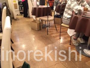 デカ盛りパフェの聖地カフェエストエストEst!Est!新宿ミロード東京ごはんパフェ横綱人気有名メガ盛りスイーツ2