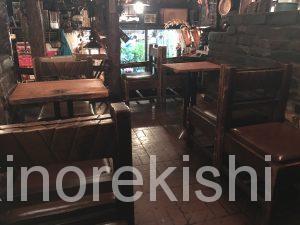 神保町朝食さぼうるモーニングセット生いちごジュースバターロールサラダアルコール半熟卵有名人気オシャレカフェ喫茶店チェーン店アメリカンコーヒー26