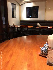 東京深夜グリーンカレーメナムのほとり神保町本店店舗テラススクエア大手町丸の内ガーデンタワーシンハービールレッドカレー激辛辛さたけのこ平日タイ料理女性男性カオマンガイトムヤムクン有名人気2
