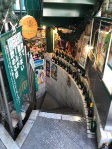 築地大盛りカレーレストランピラミッドドイツビールソーセージドイツ料理ランチメニュー新富町デカ盛り進撃の歴史9