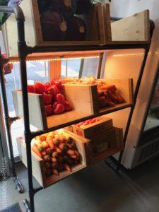 野菜を食べるBBQカレーcampキャンプ新橋本店チキンカレーマイルドチーズ甘口メニュー大盛りデカ盛り進撃の歴史10