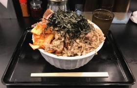 デカ盛りそば神保町なぜ蕎麦にラー油を入れるのか。神田小川町店肉キムチぶっかけそば大盛りメニュー進撃の歴史