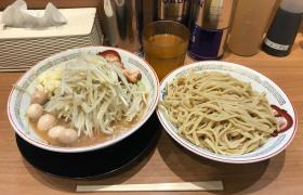 上野広小路デカ盛り御徒町豚山つけ麺大盛りメニューニンニク野菜マシマシ進撃の歴史
