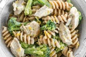 Chicken And Broccoli Pasta With Lemon Cream Sauce