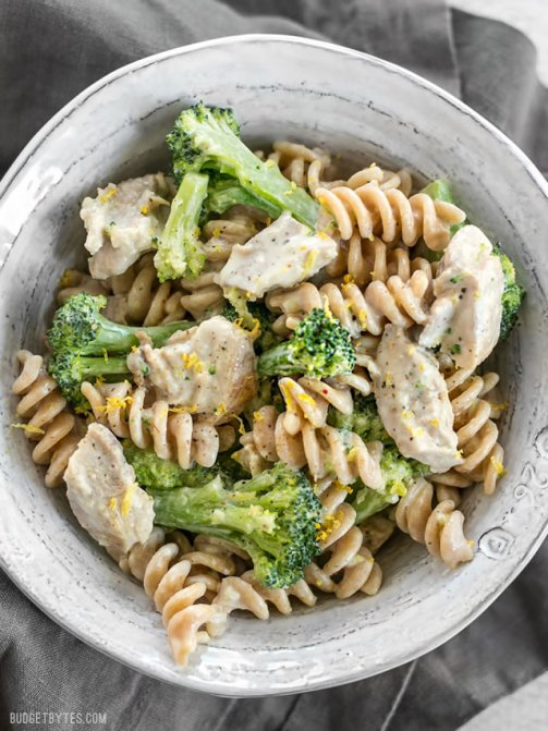 Chicken-and-Broccoli-Pasta-with-Lemon-Cream-Sauce-V1
