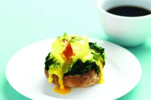 A Cracking Healthy Breakfast Recipe: Eggs Florentine