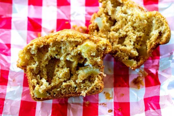 The best-ever apple muffin recipe that's SOOOO easy to make!