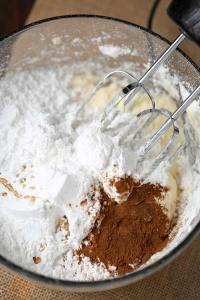 Making Cinnamon Cream Cheese Frosting