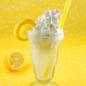 Lemon Cream Pie Float in a glass