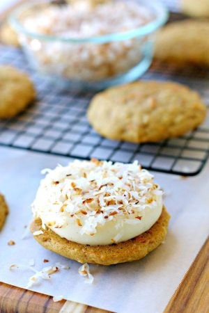 Carrot Cake Whoopie Pies Recipe with Coconut 4