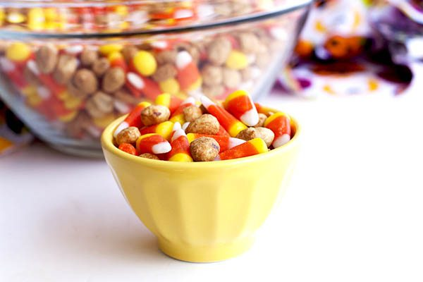 As if candy corn wasn't addicting enough, this Candy Corn Snack Mix is the perfect combination of salty and sweet that just makes it irresistible.
