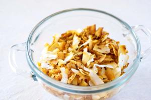 How to Toast Coconut Flakes - 2 methods