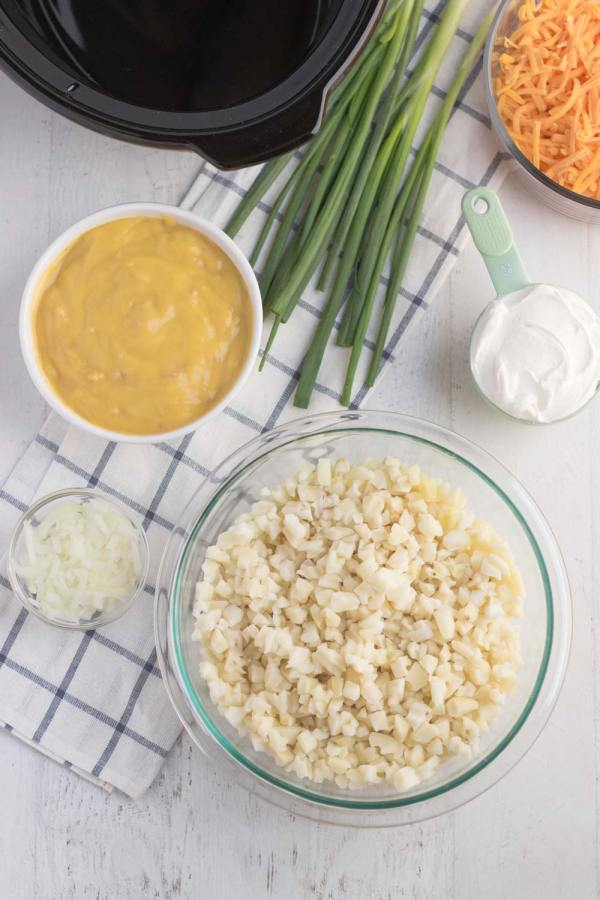 Super quick and easy Crockpot Cheesy Potato ingredients.