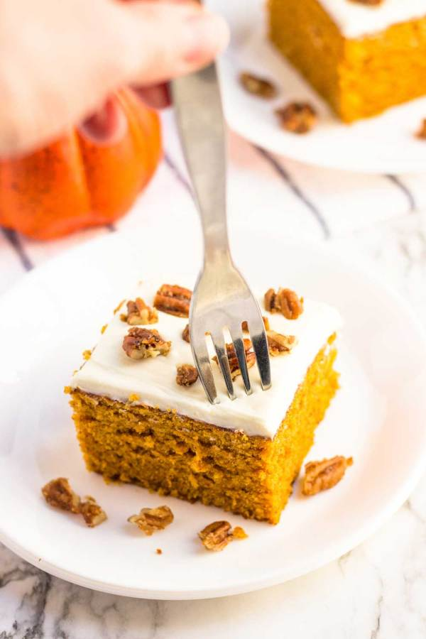 Digging into the best pumpkin cake recipe!