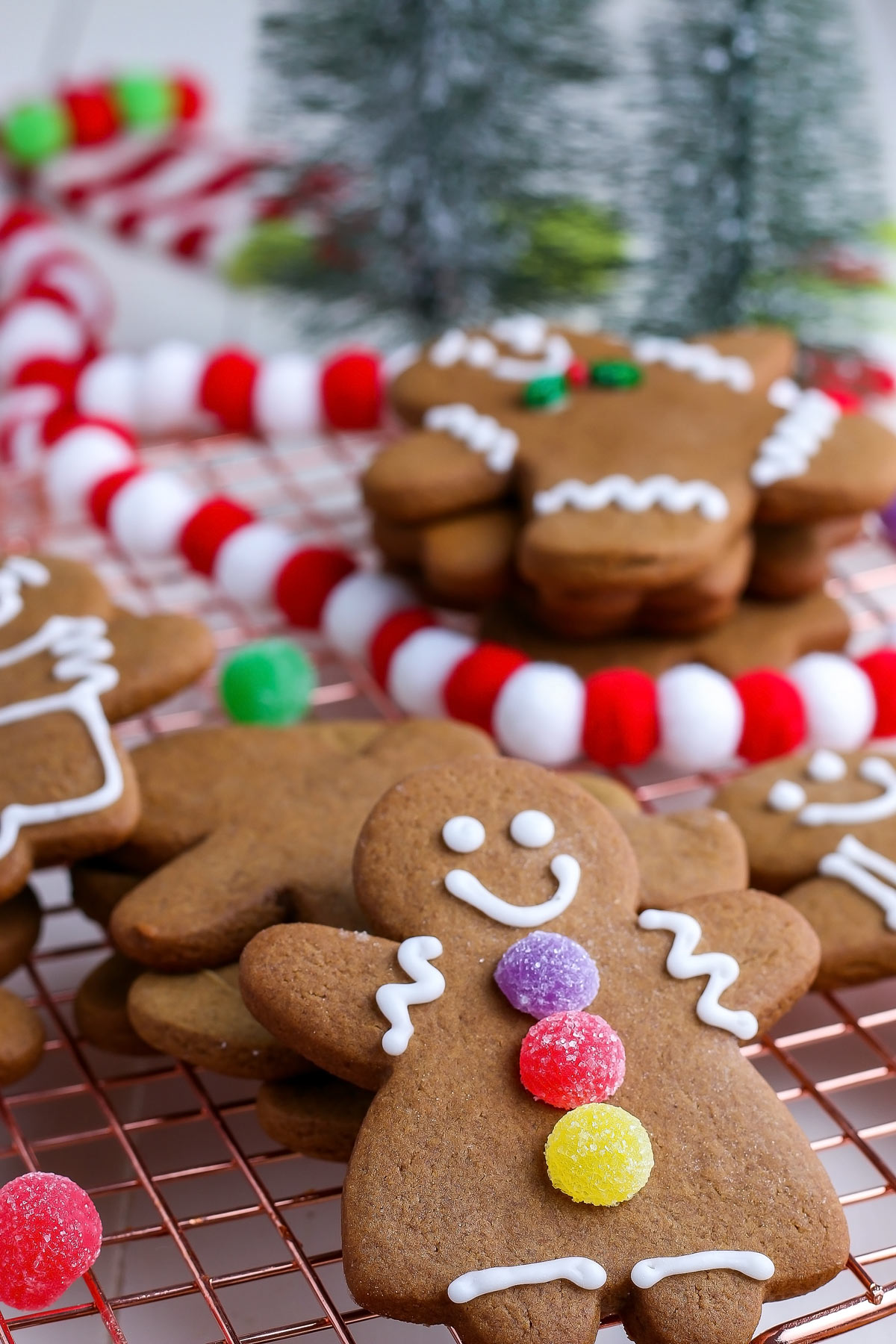 It's Christmas cookie time! The holidays wouldn't be the same without these Soft Gingerbread Cookies. Decorating gingerbread cookies are a yearly tradition that the entire family loves. via @foodfolksandfun