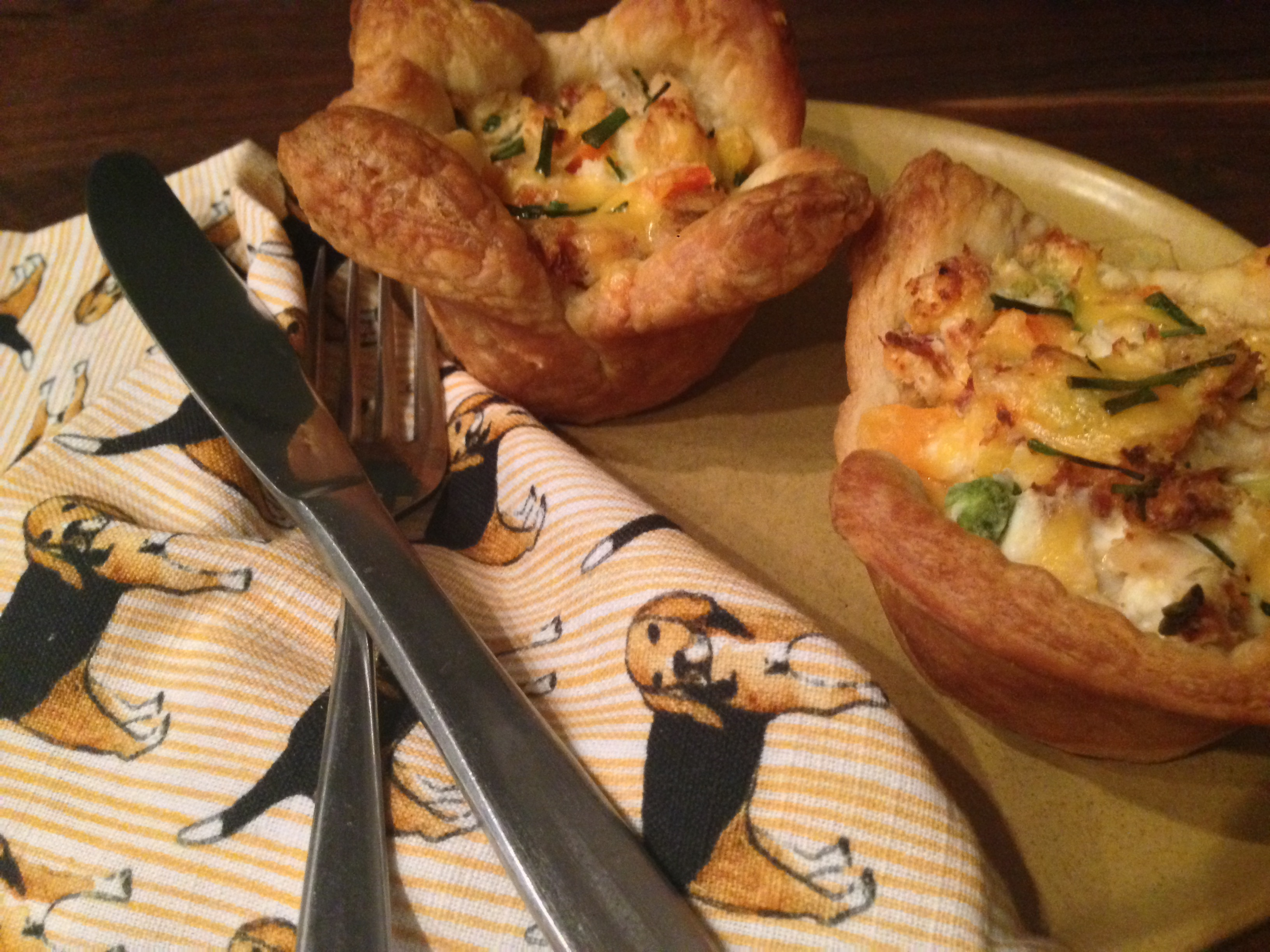 Need an Idea for Turkey Leftovers?? ((Turkey & Bacon filled Puff Pastry Cups))
